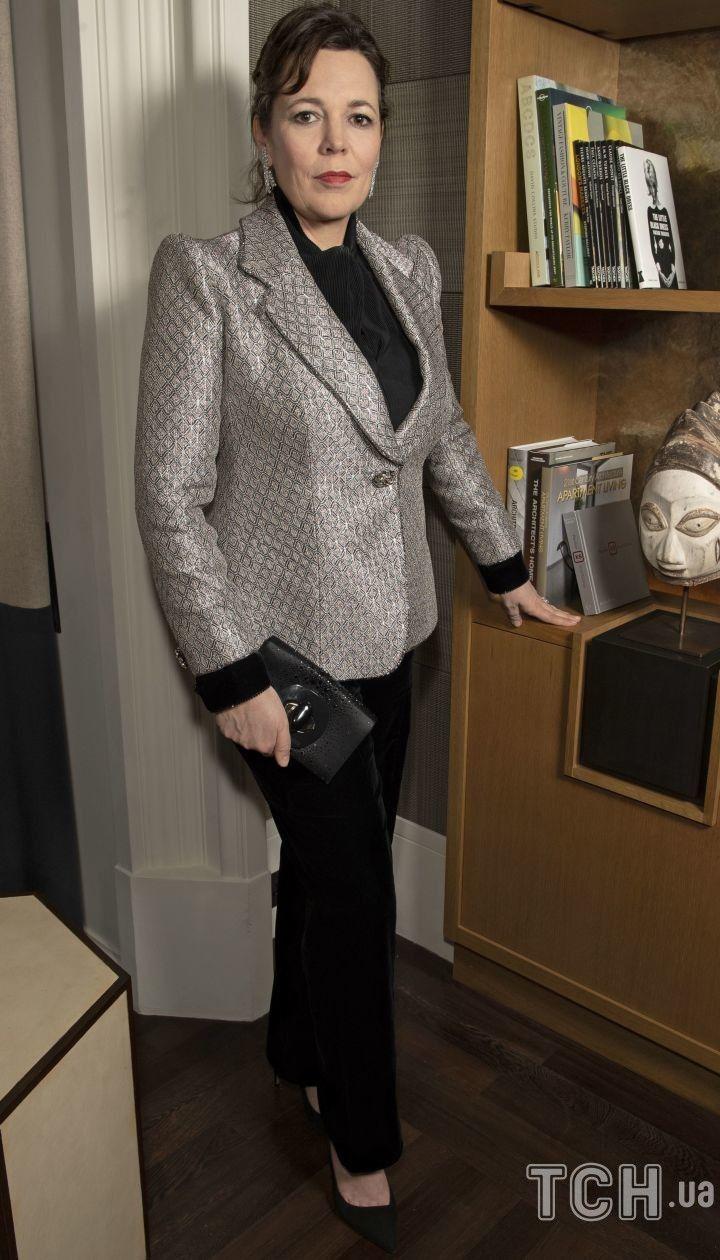 """Предпочла брюки: звезда """"Короны"""" Оливия Колман продемонстрировала элегантный образ"""