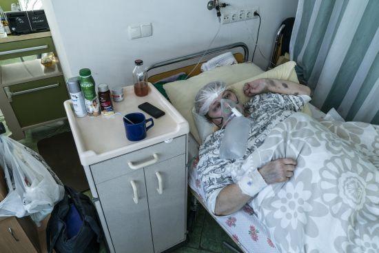 """""""Ситуація критична"""": на Закарпатті виникла проблема із забезпеченністю пацієнтів з коронавірусом киснем"""