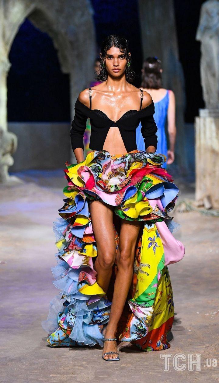 Коллекция Versace трет-а-порте сезона весна-лето 2021 @ East News