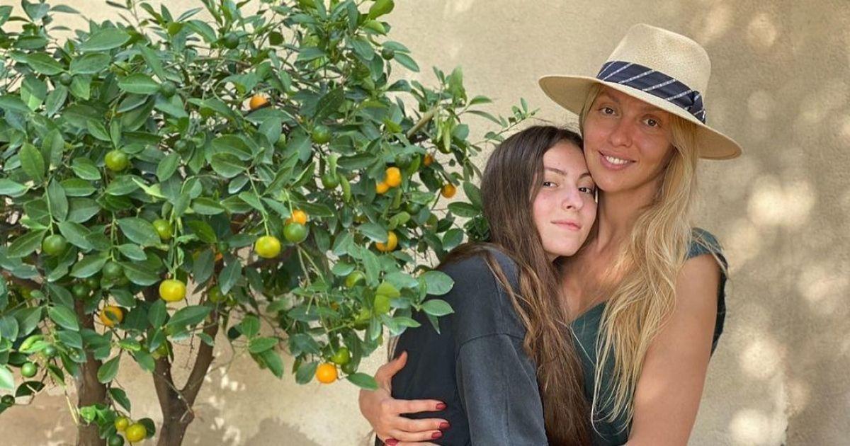 Оля Полякова показала доньку-іменинницю та заборонила їй різати волосся