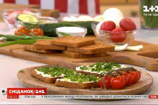 Как приготовить весенние бутерброды с крем-сыром филадельфия, овощами и зеленью