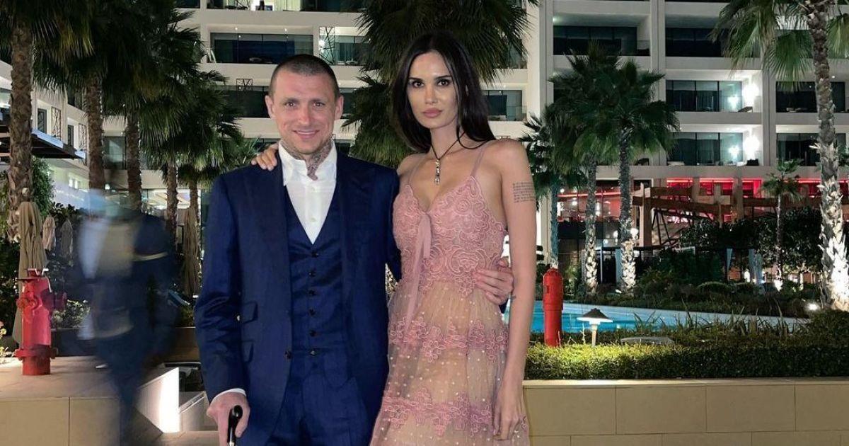Показала коханку: дружина російського футболіста, який сидів у в'язниці, викрила його у новій зраді