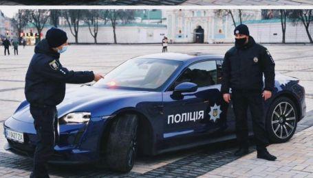 """Самі не проти, але не дають: у поліції відреагували на """"патрульний Porschе"""""""