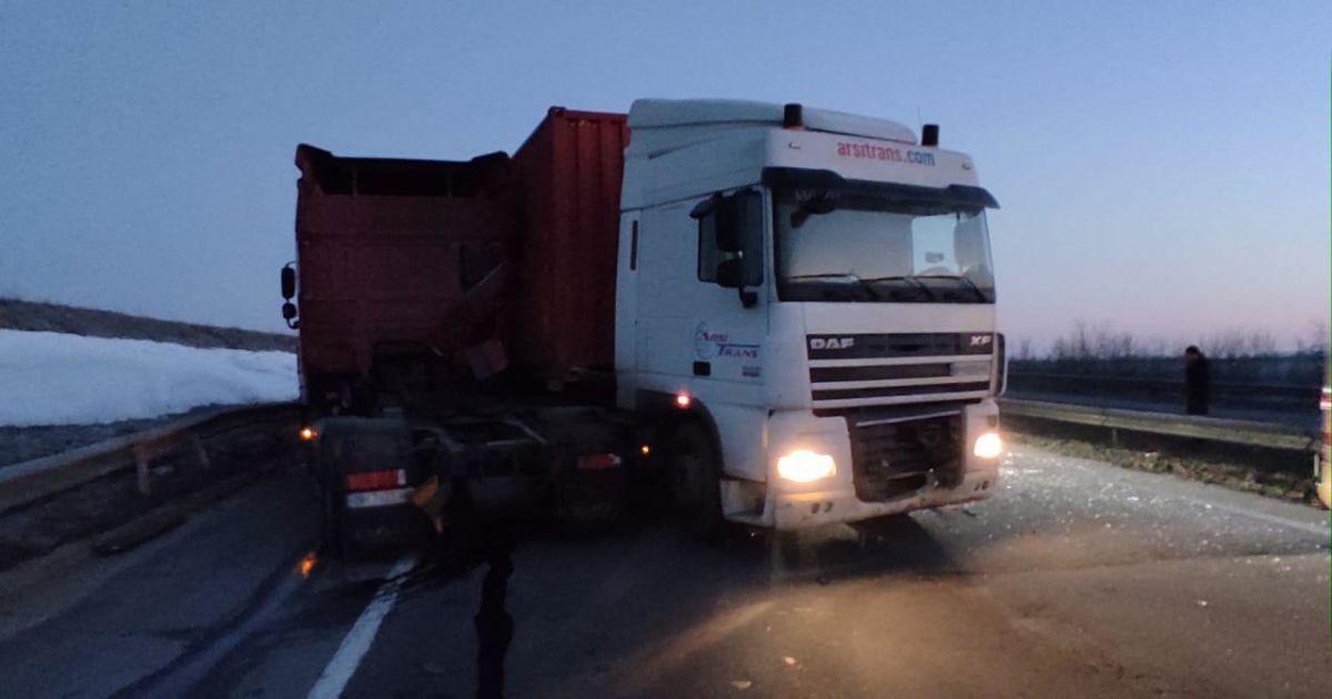 Решил помочь и оказался под колесами: в Одесской области произошла смертельная авария (фото)