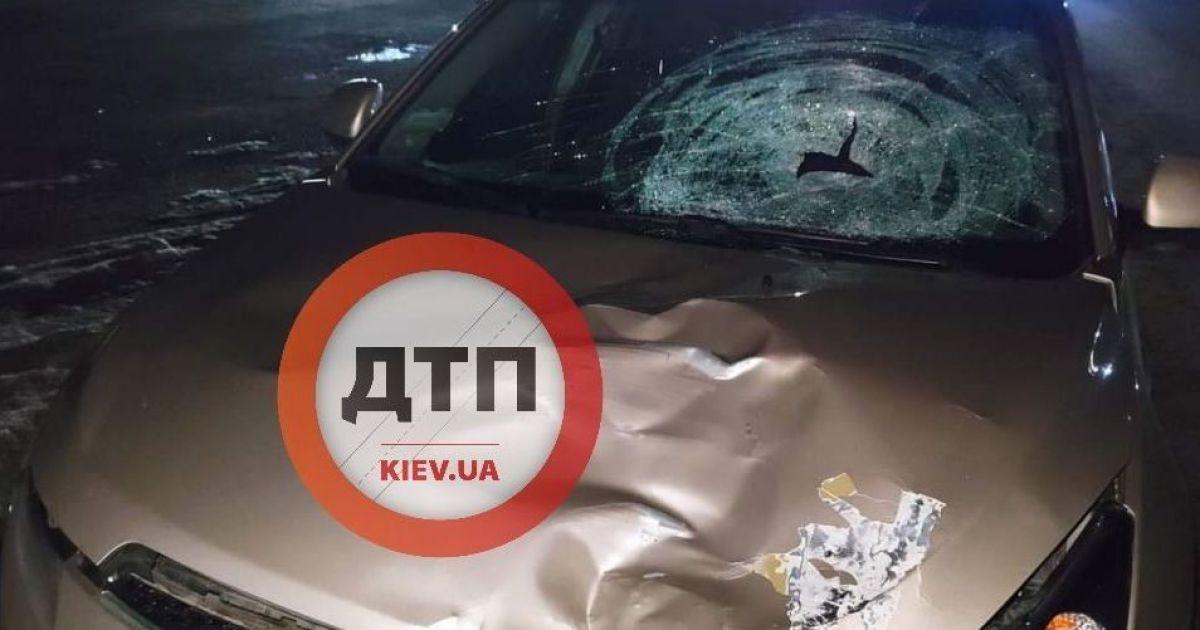 Под Киевом автомобиль сбил насмерть 66-летнюю женщину: полиция и родные ищут свидетелей