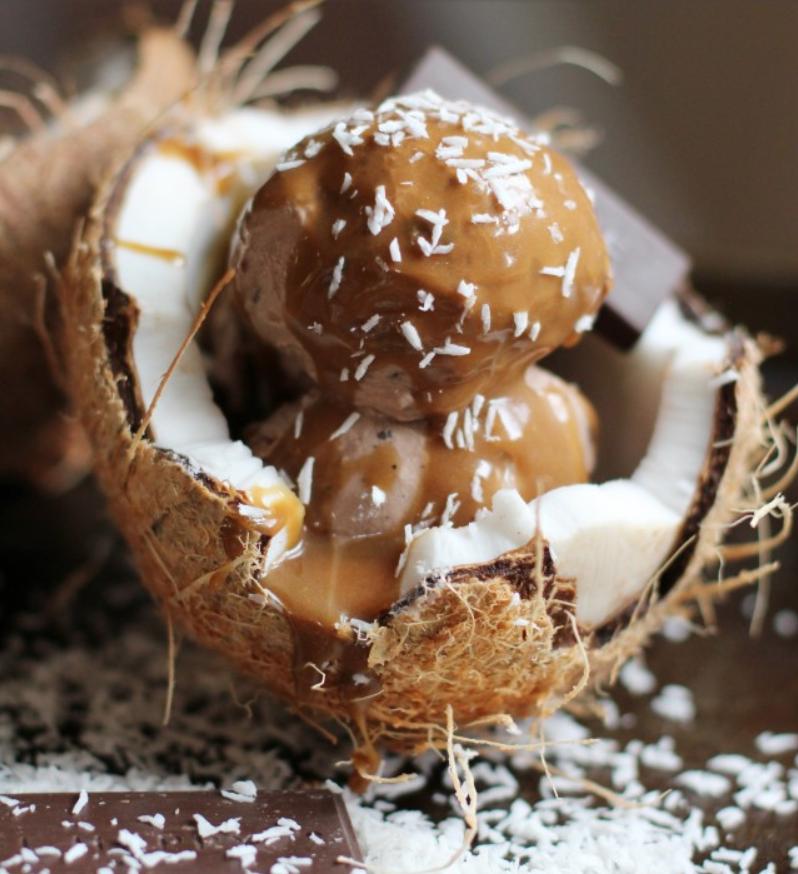 морозиво у кокосі