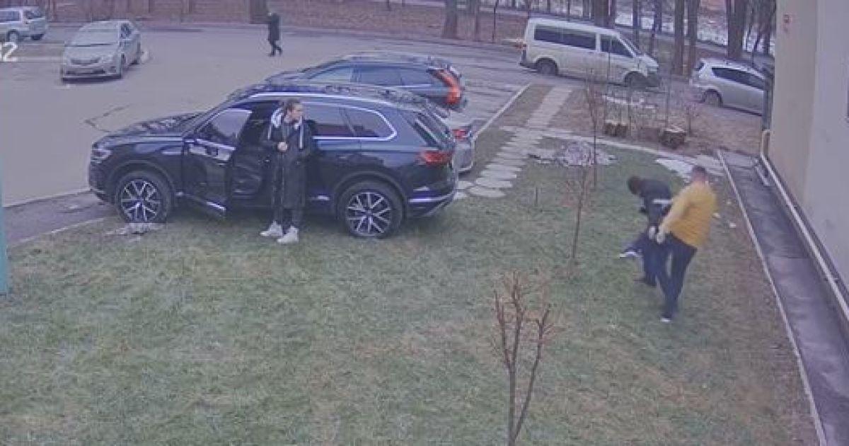 У Вінниці водій відлупцював чоловіка за докір через паркування на зеленій зоні