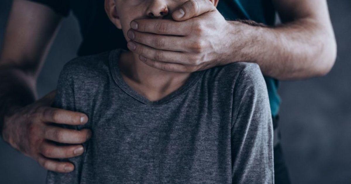 Схопив хлопчика на пасовищі: в Одеській області покарали ґвалтівника дитини