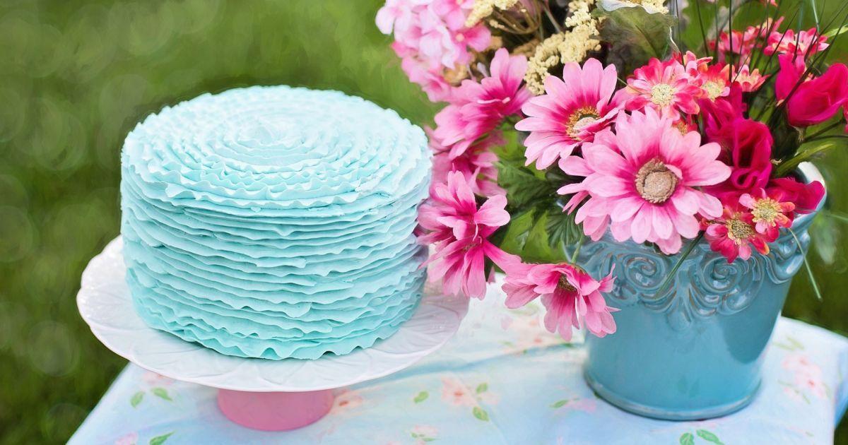 Як приготувати торт на 8 Березня: простий рецепт без випікання