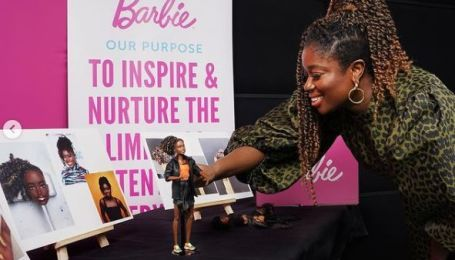 Образец для подражания: в Британии выпустили куклу Барби в честь темнокожей активистки
