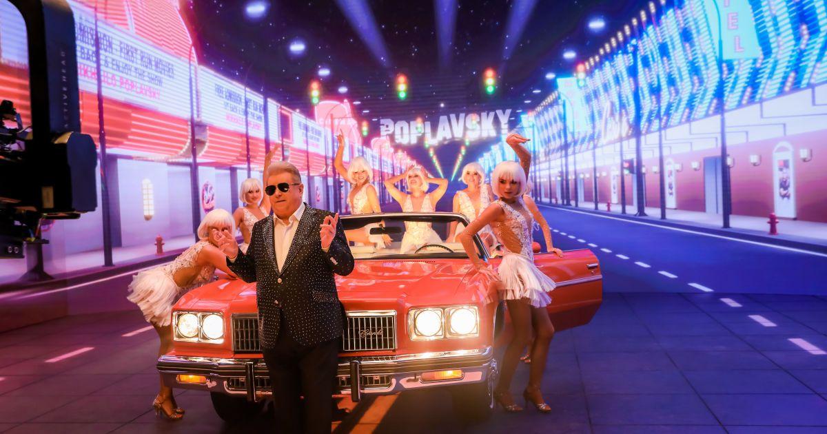 Раритетный кабриолет, танцы полуголых красавиц в бокале и блеск Голливуда: Михаил Поплавский выпустил новый яркий клип