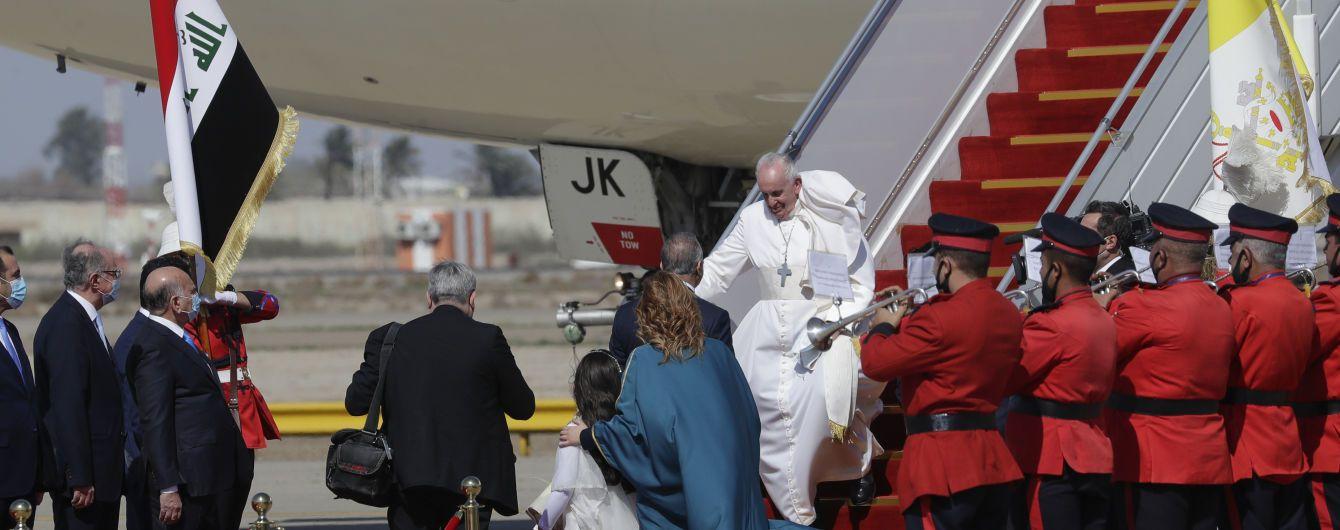 Символическая поездка: Папа Римский впервые в истории прибыл с визитом в Ирак