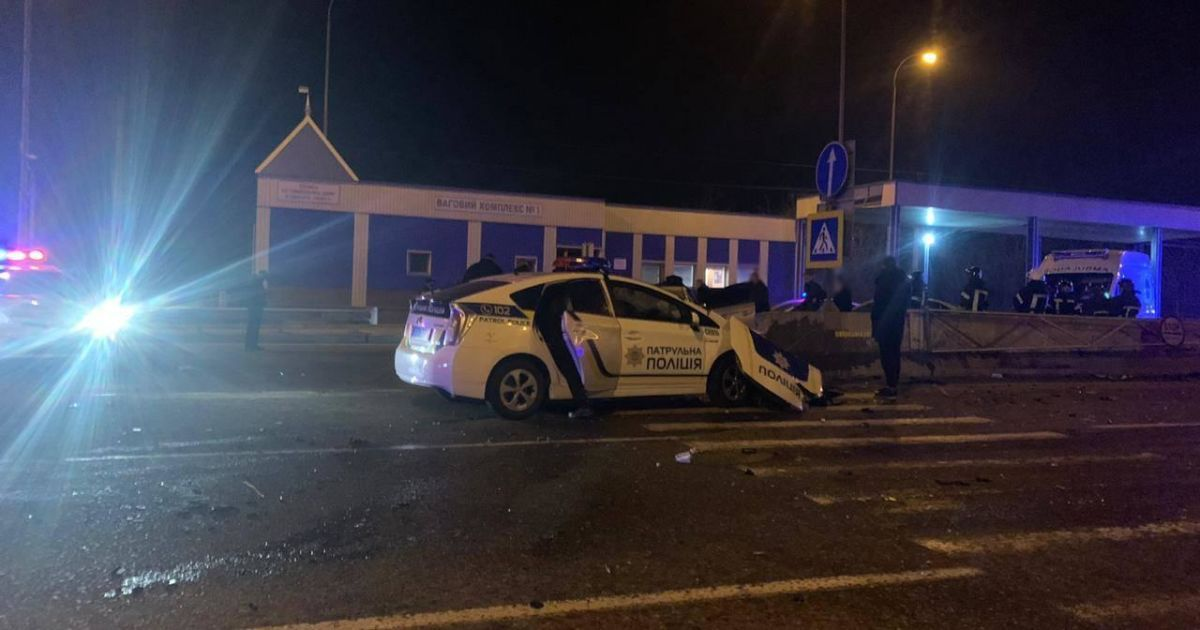 В обоих авто были полицейские: стали известны подробности смертельного ДТП с патрульными на трассе Киев-Одесса