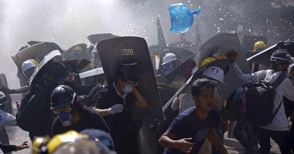 Протести у М'янмі: силовики застрелили ще трьох демонстрантів
