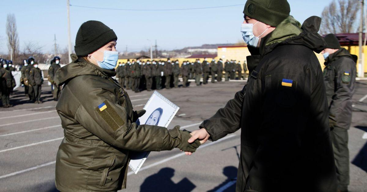 У Кривому Розі привітали жінок-військових, які служили в зоні ООС