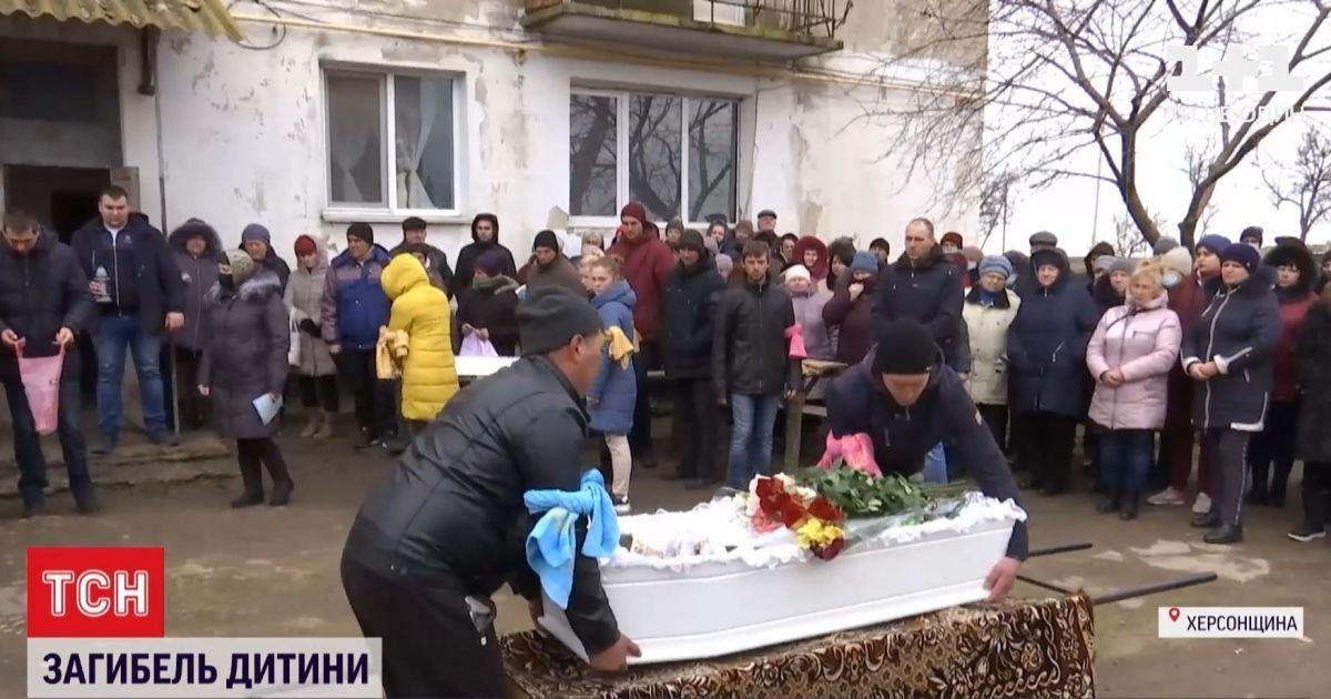 Вбивство Марії Борисової: як попрощалися із дівчинкою у рідному селі -  Ексклюзив ТСН - TCH.ua