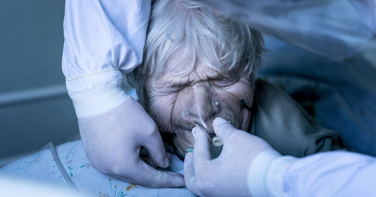 Харьковские больницы переполнены больными коронавирусом: пациентам не хватает кислорода