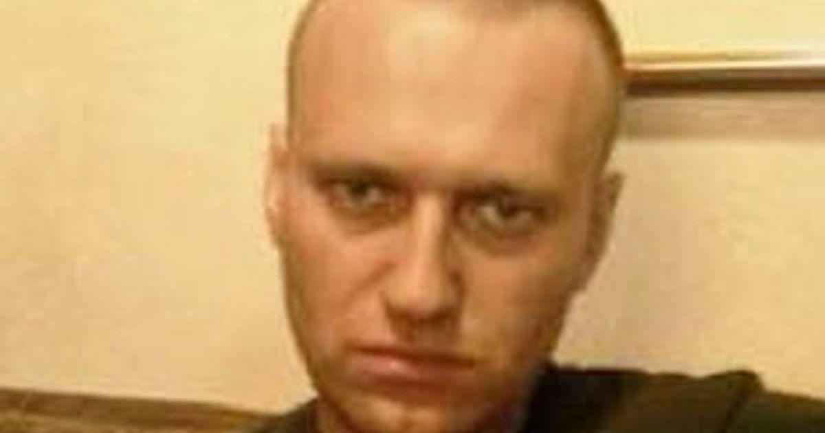 """""""Угрожают начать принудительное кормление"""": вес Навального сильно снизился из-за голодовки"""