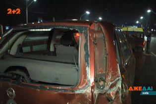 На большие проблемы обернулось бесчинство ночной столицей для водителя внедорожника