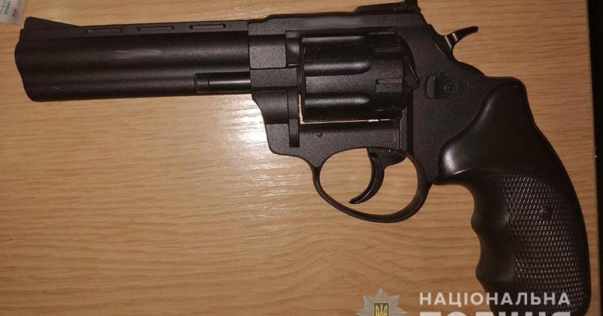 Купував стартові пістолети і переробляв у бойові: у Одесі затримали майстра з виготовлення зброї