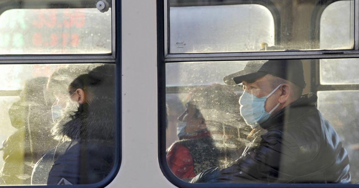 Как в Киеве получить спецпропуска на транспорт: пошаговая инструкция