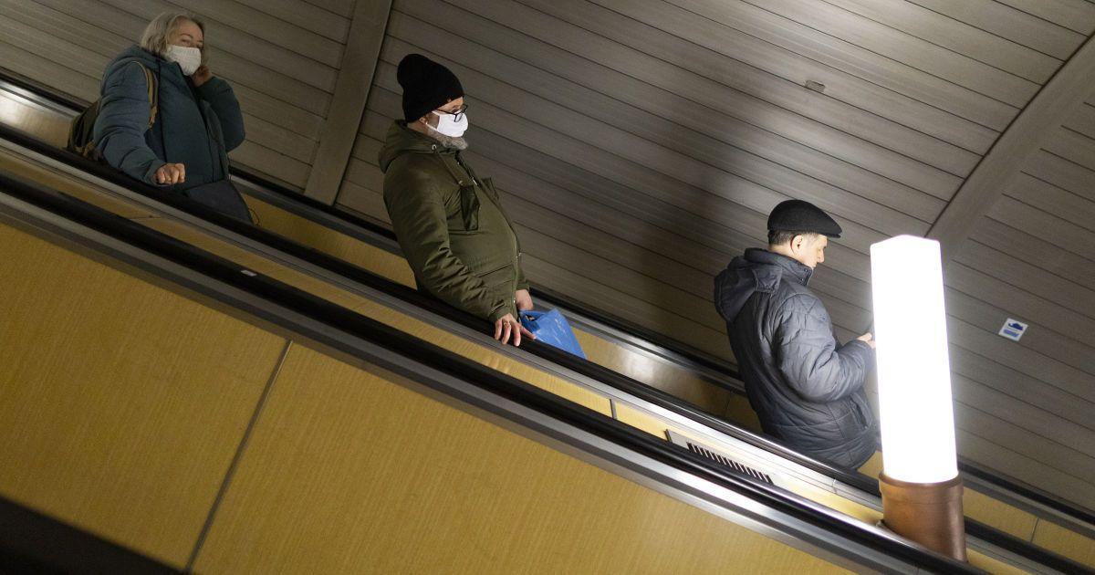 Хотів потрапити в метро з підробленим посвідченням: в Києві затримали учасника шоу талантів