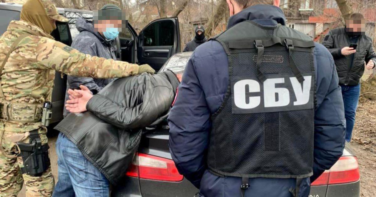 """Зеленский усилил уголовную ответственность для """"телефонных террористов"""""""