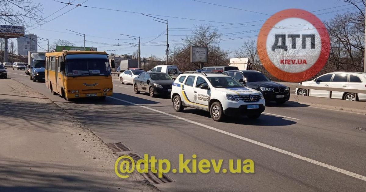 У Києві конфлікт на дорозі закінчився стріляниною