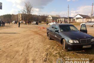 Під Харковом водій насмерть збив 12-річну дівчинку, яка перебігала дорогу (відео 18+)