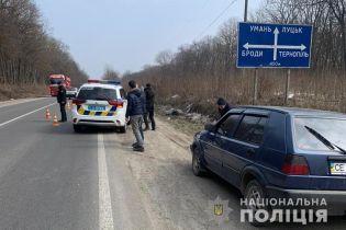 У Тернопільській області Lexus збив бабусю з онуком: жінка померла на місці ДТП
