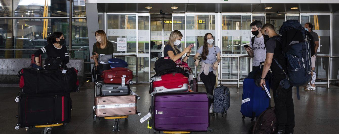 """Впровадження """"COVID-паспортів"""": Шмигаль доручив Кулебі обговорити із міжнародними партнерами подорожі для українців"""