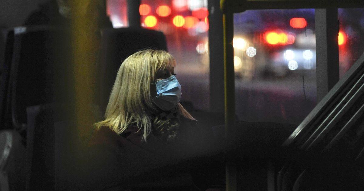 Запрет продажи алкоголя и закрытия ночных клубов: во Львове ввели новые ограничение из-за коронавируса