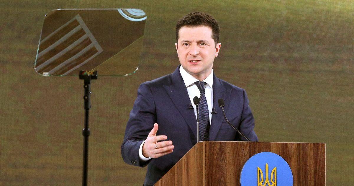 """""""Явно не реформи"""": Зеленський розповів, що може стримати агресію Росії на Донбасі"""