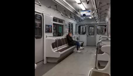 Столица остановилась в пробках: в Киеве показали видео с пустого метро