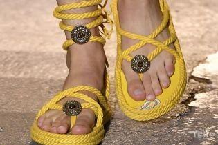 Модне взуття сезону весна-літо 2021: яку пару вибрати