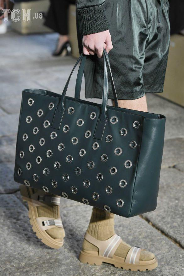 Коллекции прет-а-порте сезона весна-лето 2021, фото с показов, модные сумки, тенденции моды, сумочные тренды, модные аксессуары_5