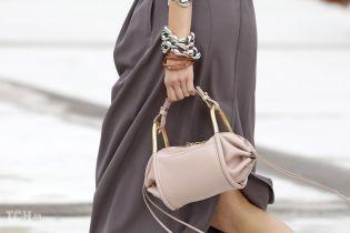 Модні сумки сезону весна-літо 2021: великі, маленькі, плетені й спортивні