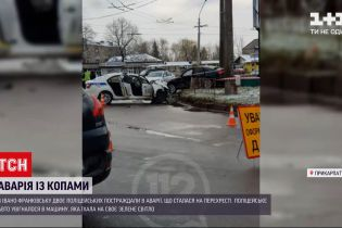 Новости Украины: в Ивано-Франковске двое патрульных пострадали в аварии на перекрестке