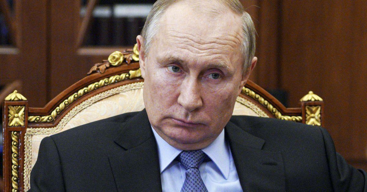 """""""Пожалеют о содеянном так, как никогда раньше не жалели"""": Путин пригрозил ответом тем, кто пересечет """"красную черту"""""""