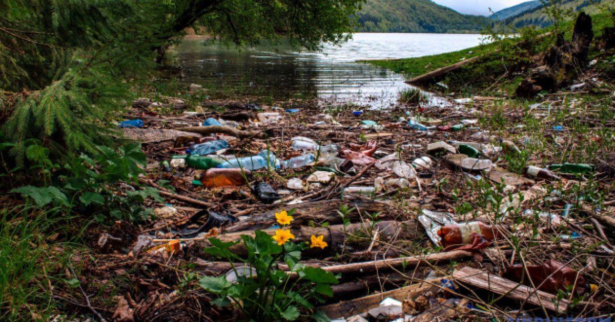 У Закарпатській області біля берегів річок знайшли 42 несанкціонованих сміттєзвалища