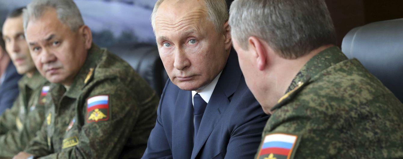"""""""Ми не дамо їм жодного сантиметра нашої землі"""": Зеленський заявив, що знає про бажання Путіна щодо Донбасу"""