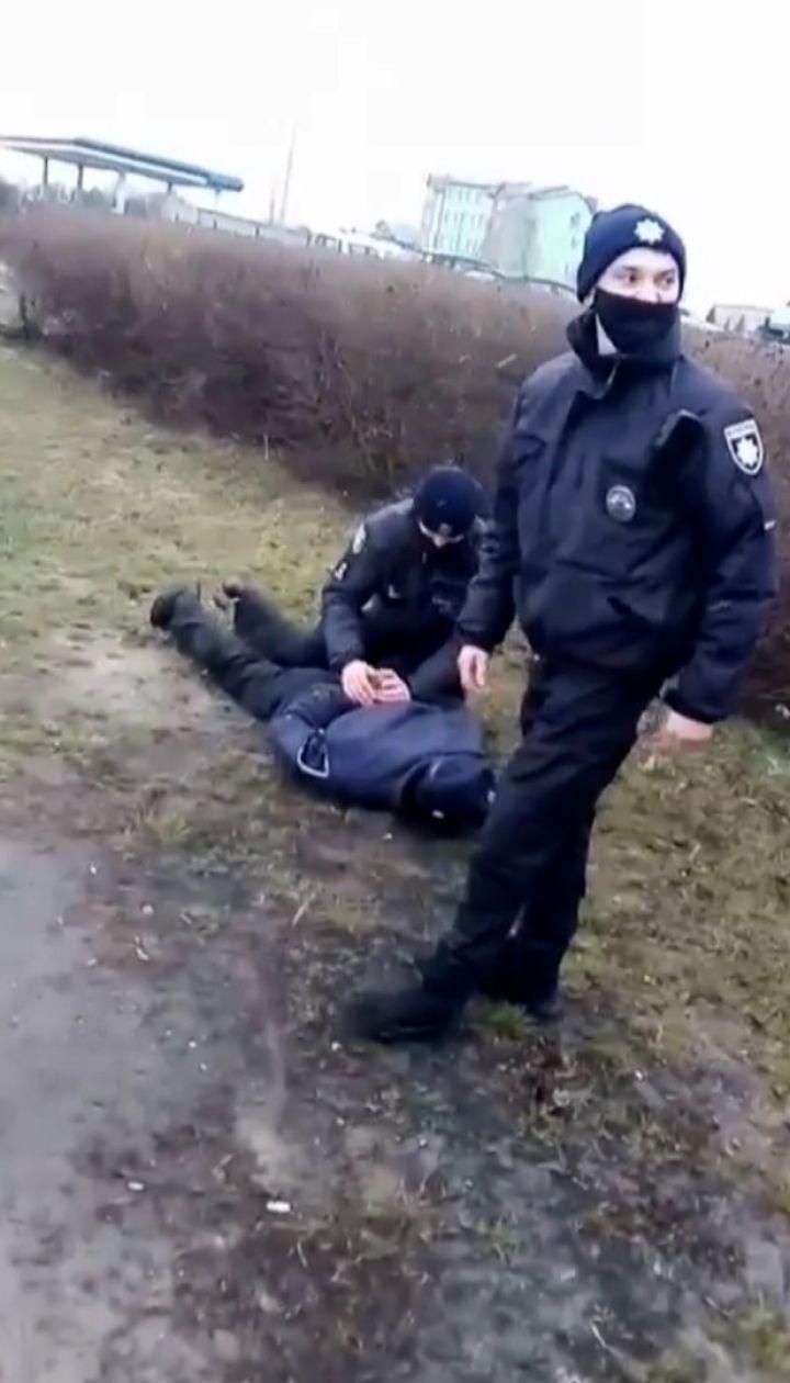 У Луцьку через зупинення машрутки пасажири почубилися з копами