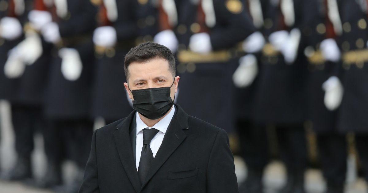 """""""Росія хоче, щоб Захід злякався"""" - Зеленський про військове посилення поблизу України"""