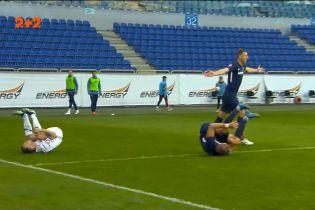 Динамо – Дніпро-1 - 2:0. Караваєв отримав першу жовту картку за фол проти суперника