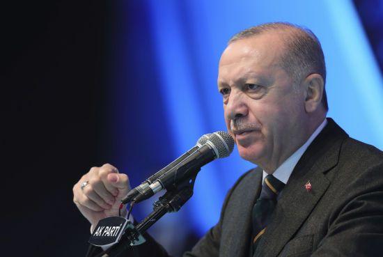 Эрдоган обсудил со Столтенбергом передвижение войск РФ на границе с Украиной