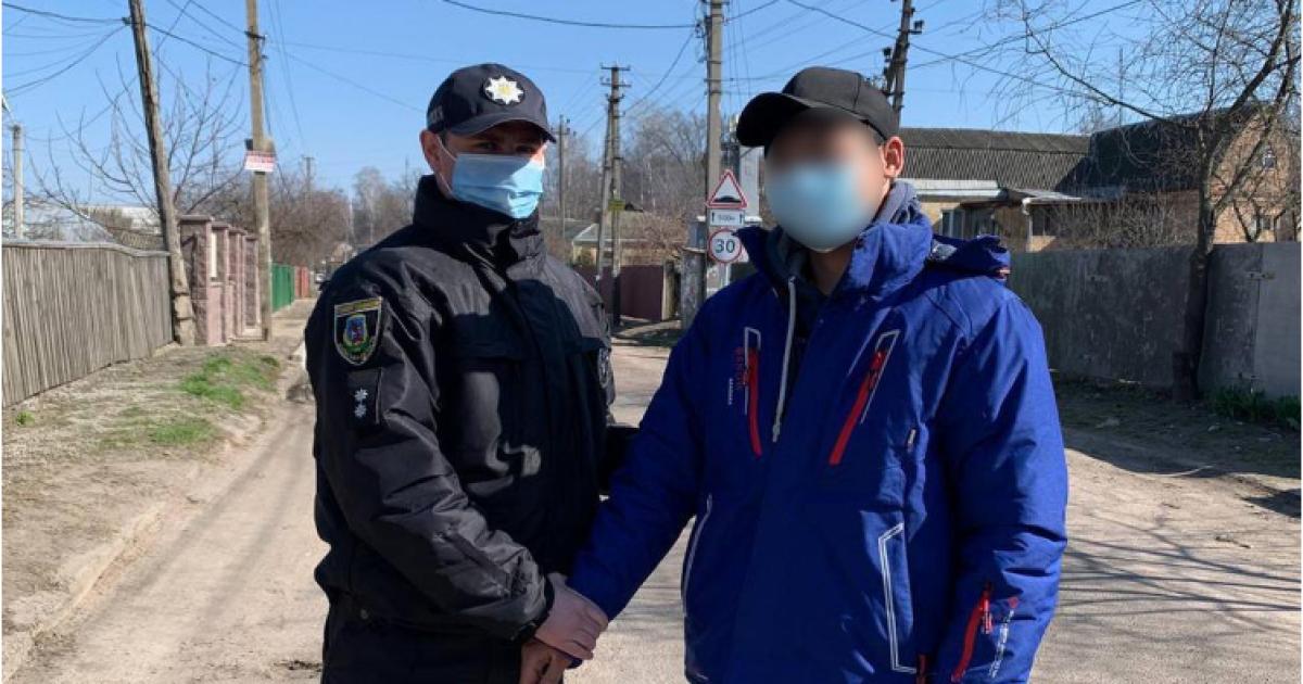 У Київській області чоловік задля розваги розстріляв лелеку та викинув птаха на смітник