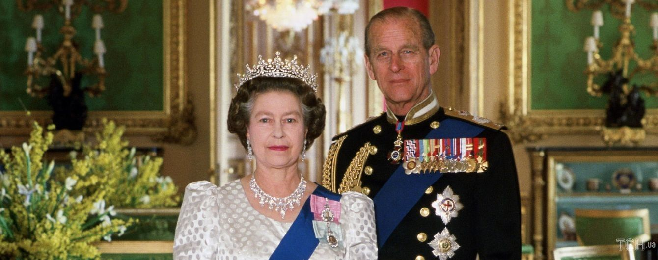 Королева Елизавета II и принц Филипп: история любви в фотографиях