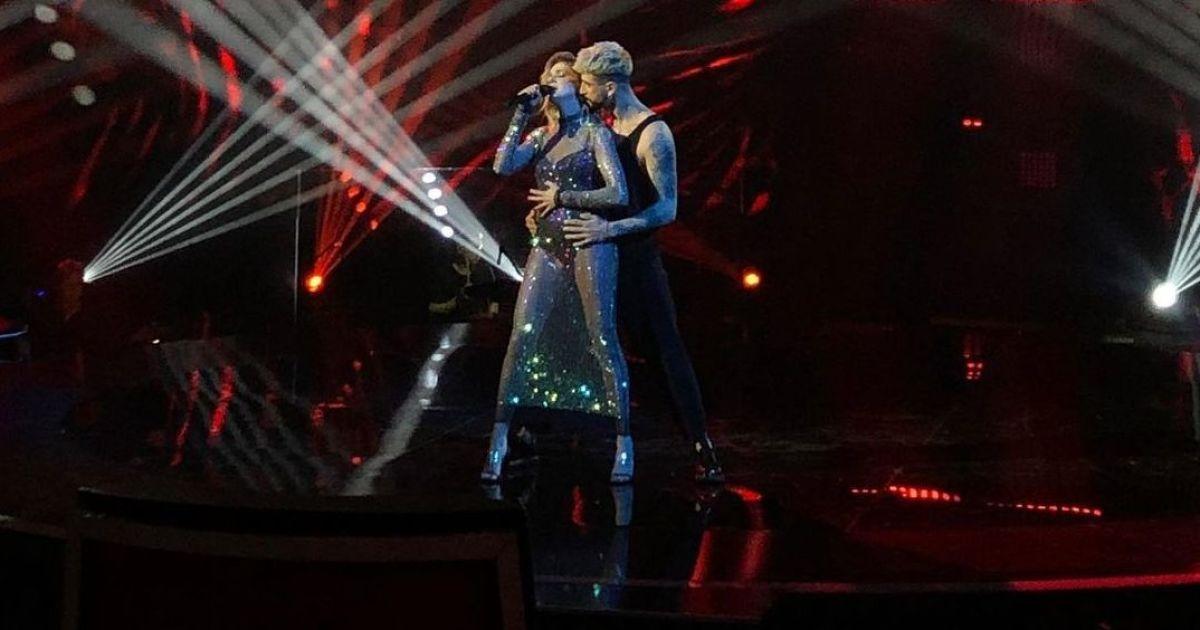 """""""Голос країни-11"""": співачка KOLA у прозорому вбранні влаштувала сексуальні танці з Жуком"""