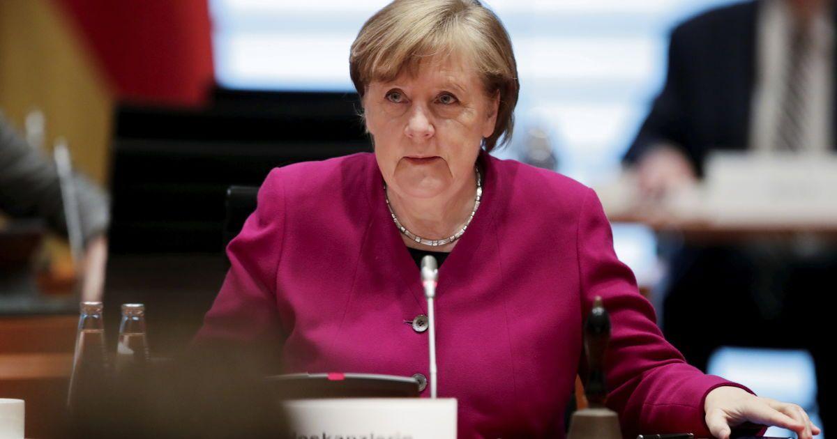 Від РФ треба вимагати зменшити військову присутність: Меркель і Байден планують закликати РФ не стягувати війська до кордону