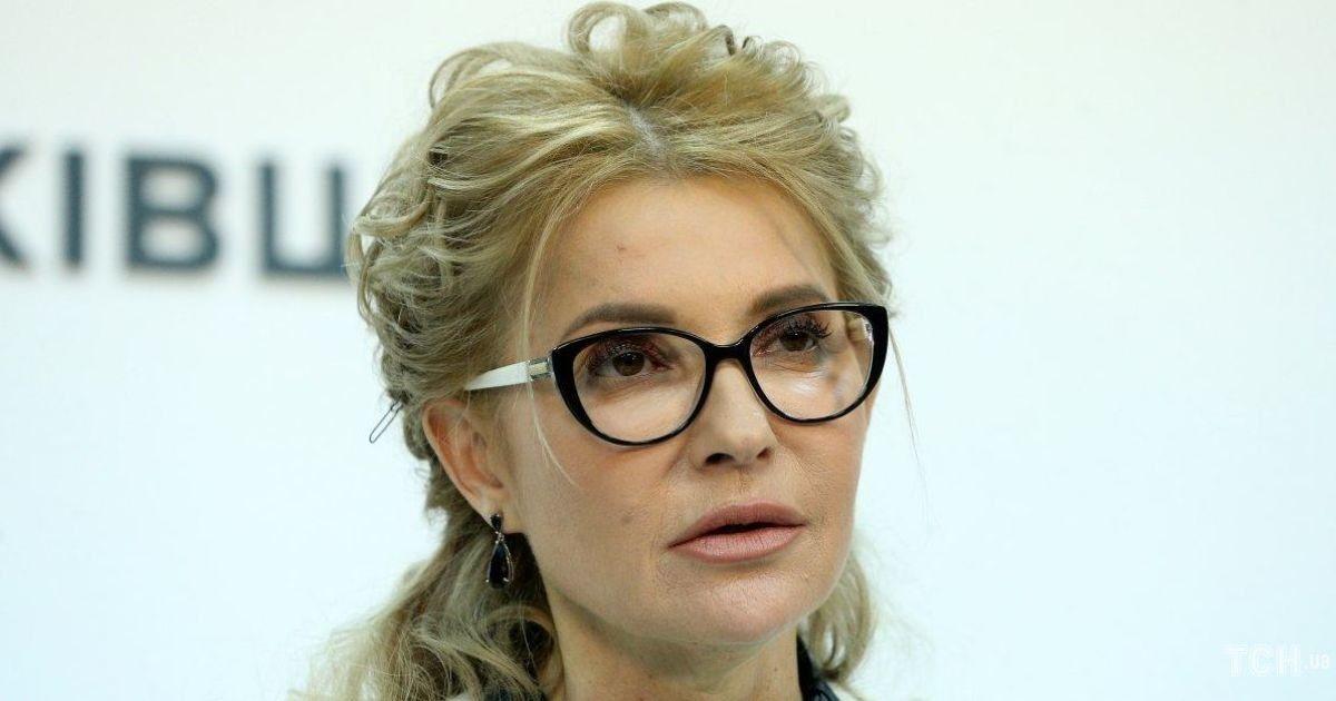 В жакете с флористическим аппликациями: Юлия Тимошенко выступила на заседании Согласительного совета